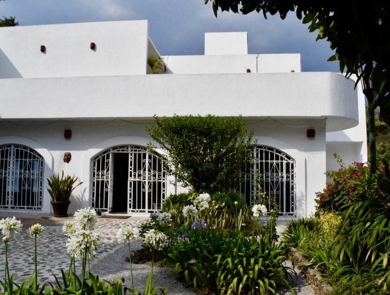Casa de la Vida: un Urban Refuge & Retreat en Tepoztlan